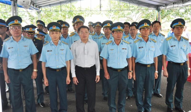 Vụ rơi máy bay ở Phú Yên: Truy phong thiếu úy cho học viên hy sinh - ảnh 9