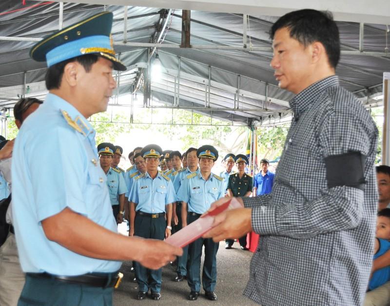Vụ rơi máy bay ở Phú Yên: Truy phong thiếu úy cho học viên hy sinh - ảnh 3