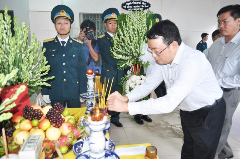 Vụ rơi máy bay ở Phú Yên: Truy phong thiếu úy cho học viên hy sinh - ảnh 13