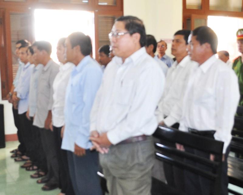 Nhiều cựu quan chức huyện đồng loạt kêu oan - ảnh 2