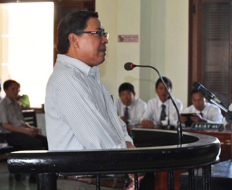 Nguyên chủ tịch huyện Đông Hòa bị đề nghị 12-13 năm tù - ảnh 2