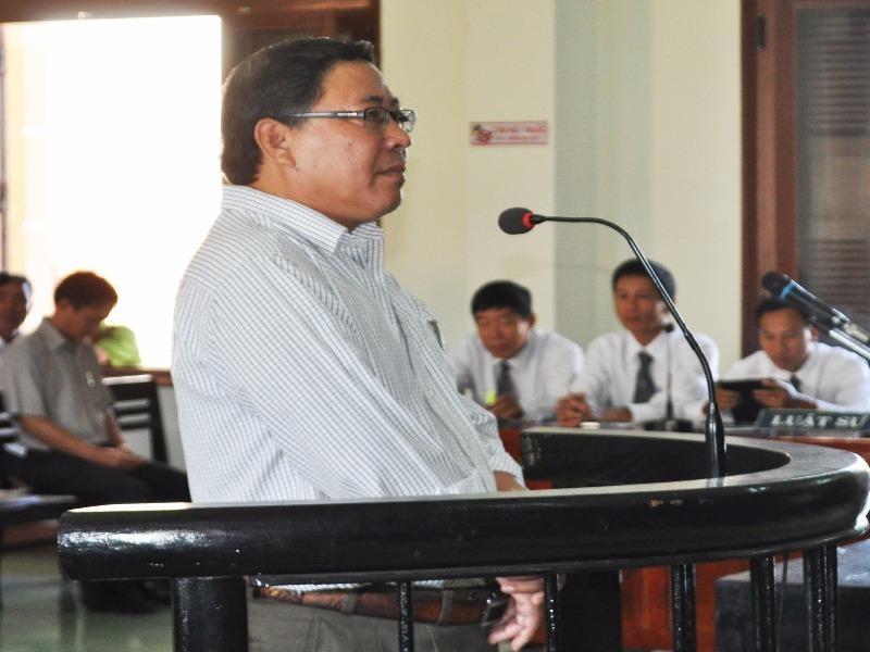 Cựu chủ tịch UBND huyện Đông Hòa Nguyễn Tài bị phạt 12 năm tù