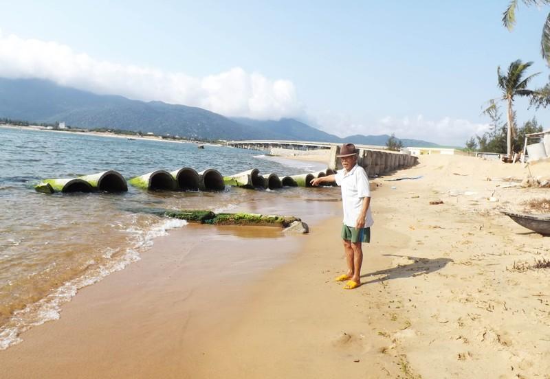 Cửa sông sạt lở, Phú Yên ban bố tình trạng khẩn cấp - ảnh 1
