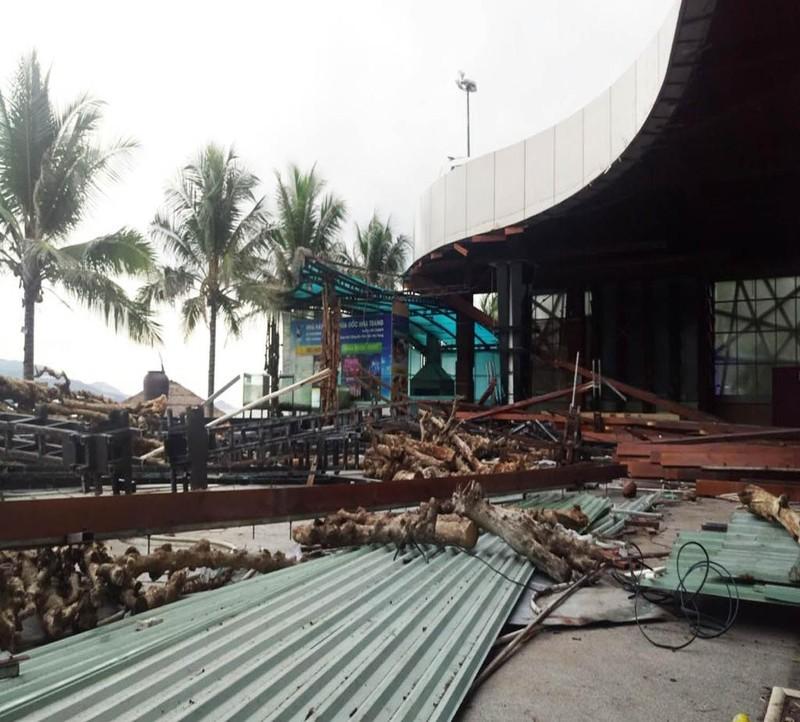 Nhà hàng Bốn Mùa đang được tháo dỡ do che chắn tầm nhìn ra biển Nha Trang