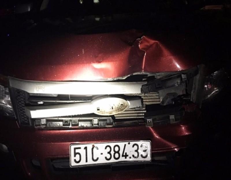 xe bán tải gây tai nạn