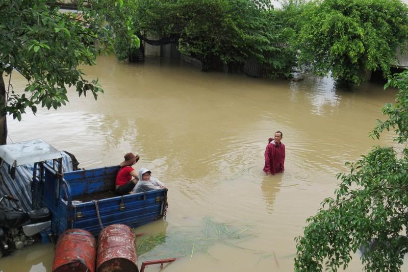 Thủy điện Sông Ba Hạ xả lũ lớn nhất trong 7 năm qua - ảnh 8