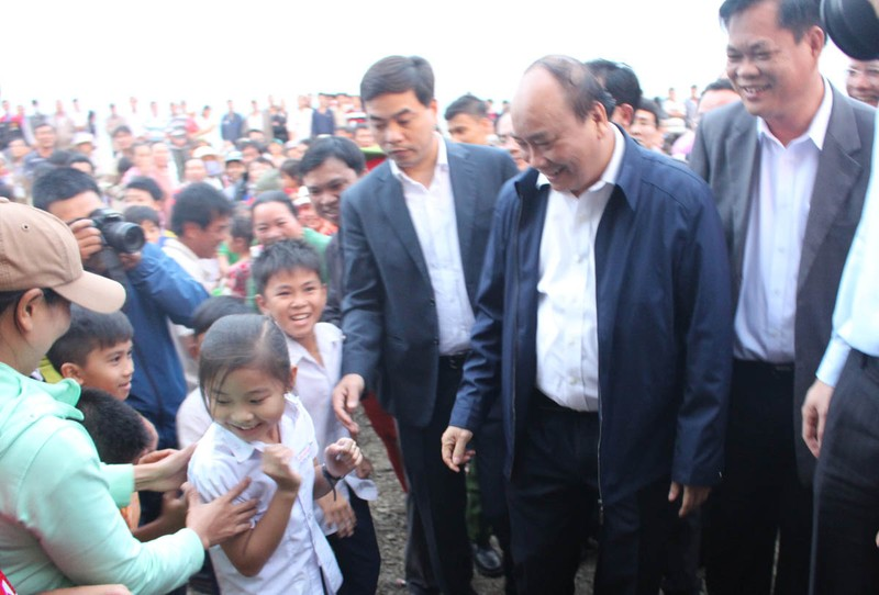 Thủ tướng: Không để gia đình nào thiếu bữa ngày Tết - ảnh 1