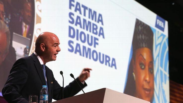 Vì sao chủ tịch FIFA 'phải lòng' Fatma Samoura? - ảnh 1
