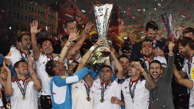 'Mr bạc' Klopp, Liverpool, Basel và Istanbul - ảnh 1