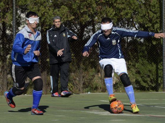 Messi khiếm thị đặt mục tiêu vô địch bóng đá Paralympic - ảnh 1