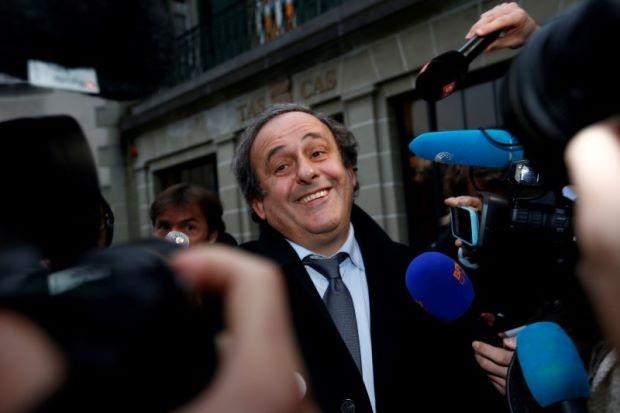 Platini có quyền xem Euro với tư cách... phó thường dân - ảnh 1