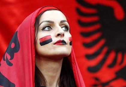 Tái hiện trận chung kết Euro 2012 ngay vòng 16 đội - ảnh 1