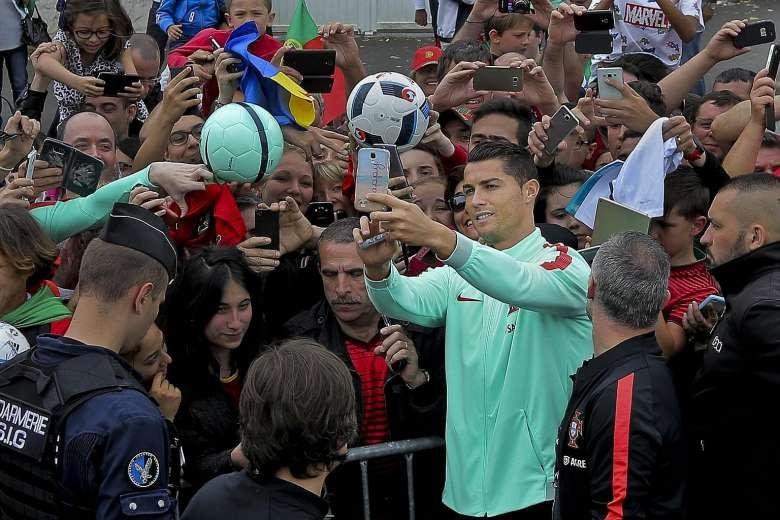 Thêm hai kỷ lục đang chờ Ronaldo - ảnh 1