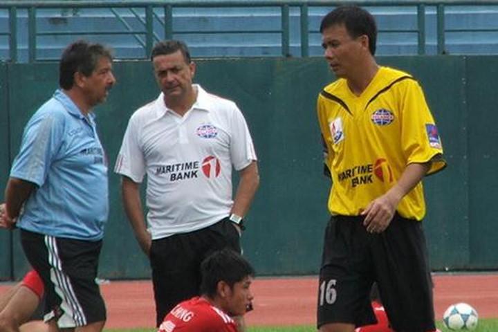 Cựu HLV B. Bình Dương làm 'phó tướng' cho Mourinho tại M.U - ảnh 2