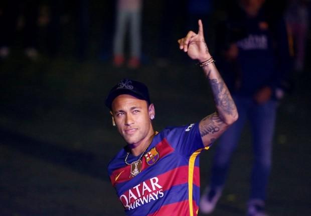 """Thực tế ba năm qua khi Neymar """"hắt hơi sổ mũi"""" là tuyển Brazil gặp vấn  đề"""