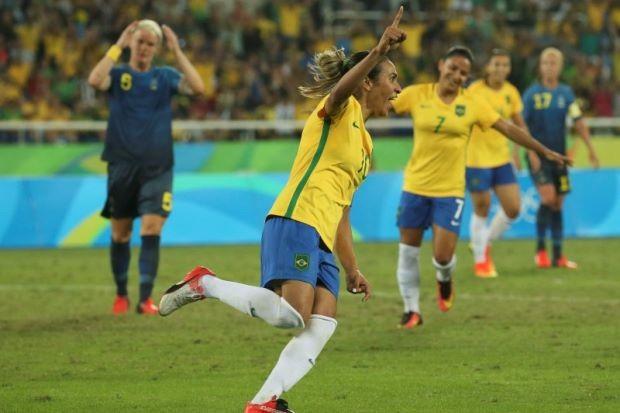 Bóng đá nữ Olympic: Mỹ, Brazil tiếp tục chói sáng - ảnh 1