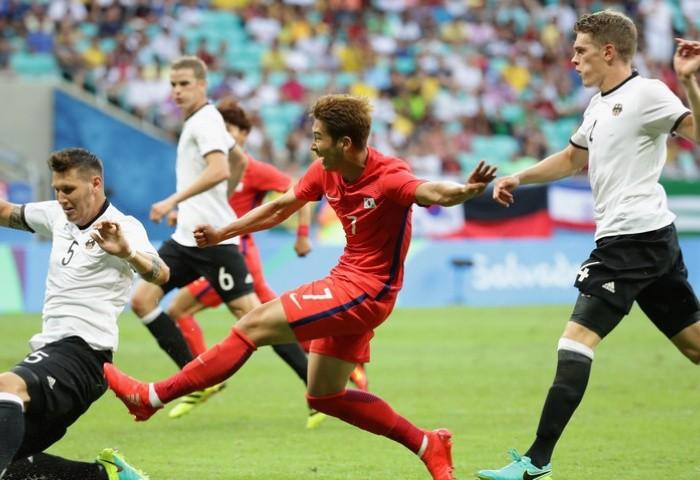 Bóng đá nam Olympic 2016: Neymar gây thất vọng, Brazil lại hòa - ảnh 4