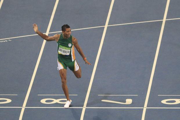 Kỷ lục điền kinh 400 m nam vừa bị xô đổ sau 17 năm - ảnh 1