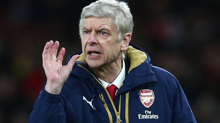 Wenger chỉ trích chính sách chuyển nhượng điên rồ của bóng đá Anh - ảnh 1