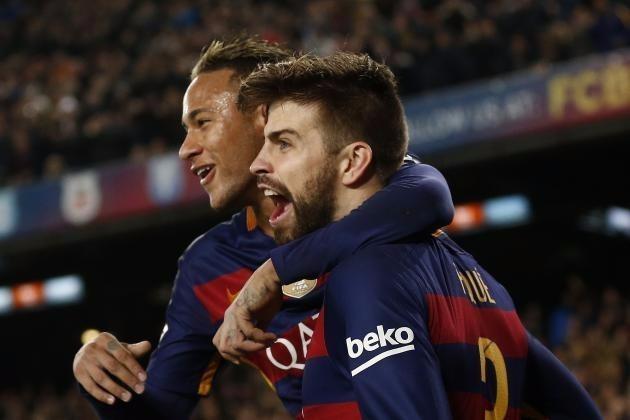 Pique và Neymar trong màu áo Barcelona