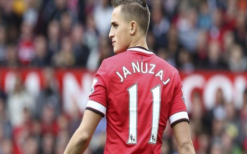 Nanuzaj có gốc gác Kosovo và HLV Allardyce của Anh cũng muốn nhập tịch cầu thủ này để khoác áo tuyển Anh nhưng đã khoác áo tuyển Bỉ rồi