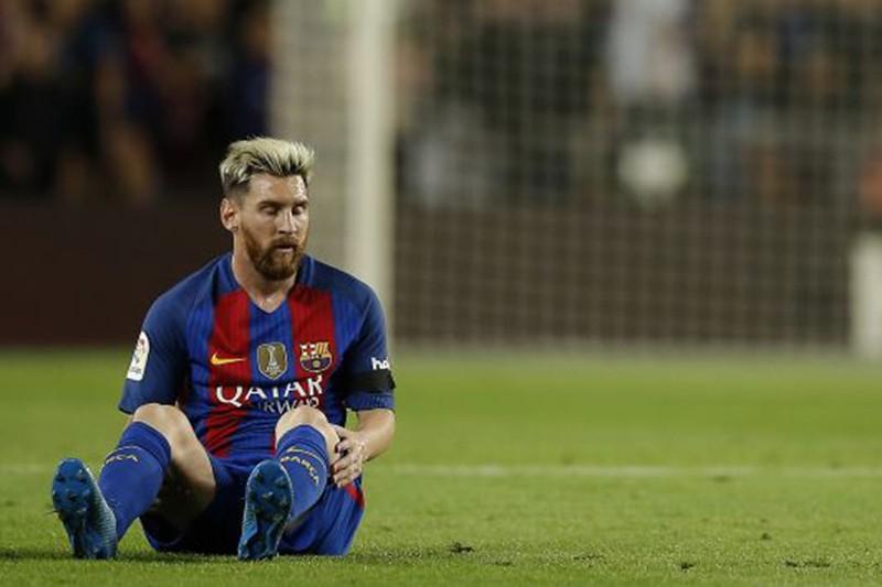 Messi nghỉ ba tuần nhưng vẫn kịp gặp lại thầy cũ - ảnh 1