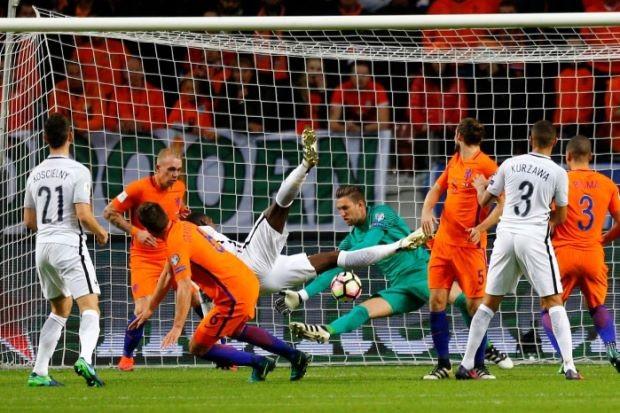 Pháp thắng, Benteke lập kỷ lục, Pogba ghi bàn - ảnh 1