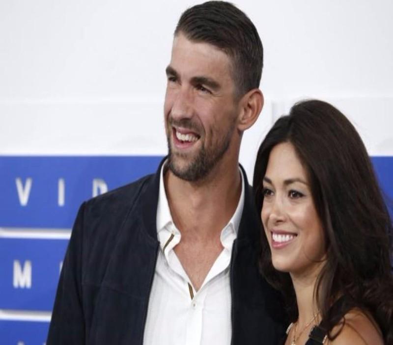 Michael Phelps và vợ