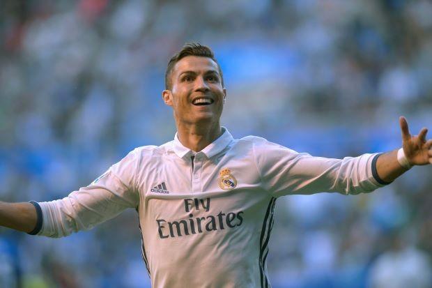 Lập hat-trick, Ronaldo đập tan mọi chỉ trích - ảnh 1