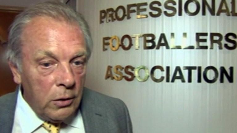 Mourinho bị chủ tịch PFA… lên lớp - ảnh 1