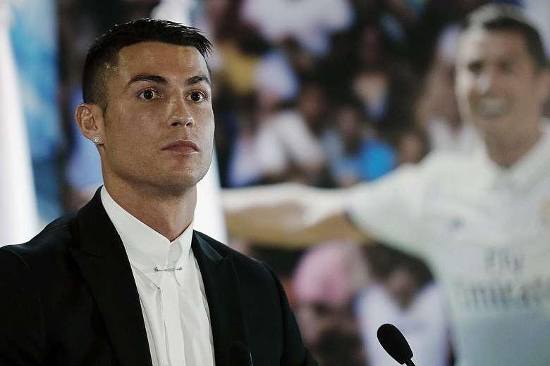 Ronaldo sẽ trở thành cầu thủ tỉ phú đầu tiên - ảnh 1