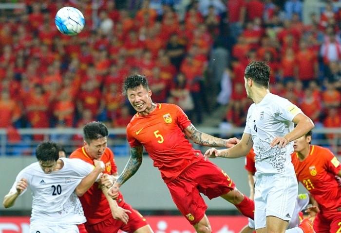 Nhà vô địch World Cup giải cứu tuyển Trung Quốc - ảnh 2