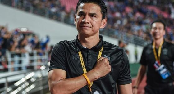 HLV Kiatisak: 'Giấc mơ World Cup của Thái Lan chưa dứt' - ảnh 1