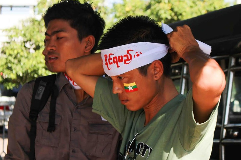Nổ bom ở Yangon, AFF Cup rơi vào cảnh báo động - ảnh 3