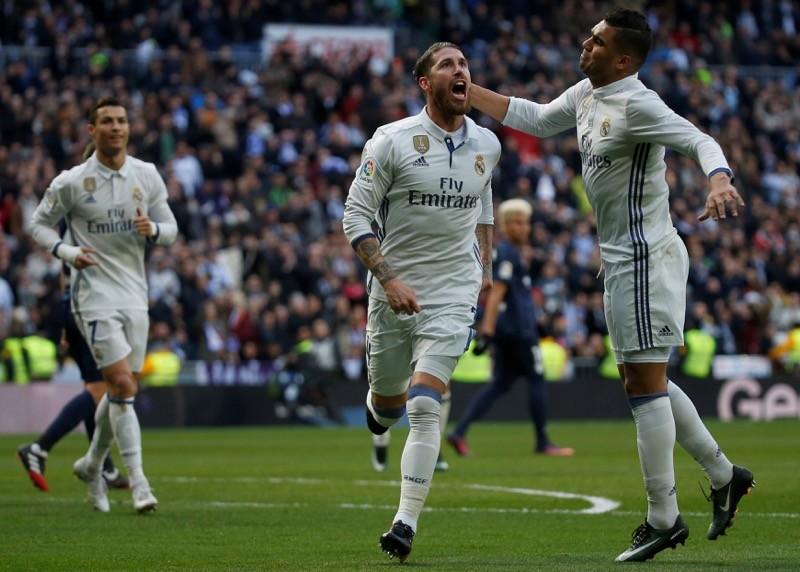 Ramos lại là kẻ cứu tinh, Ronaldo bị khán giả la ó - ảnh 1