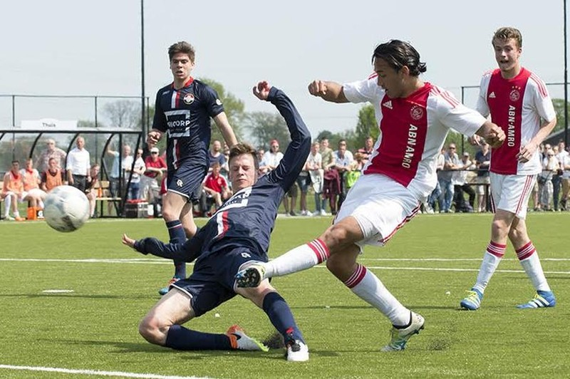 Các nhà làm luật cuống cuồng với tài năng Ajax - ảnh 1