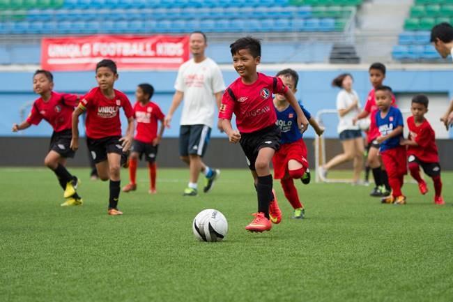 """Singapore tính """"kích cầu"""" bóng đá với Roberto Carlos - ảnh 2"""