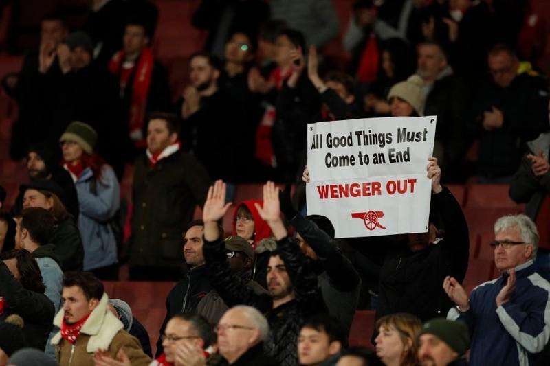 Huyền thoại Arsenal muốn 'lật ghế' Wenger ngay lập tức - ảnh 2