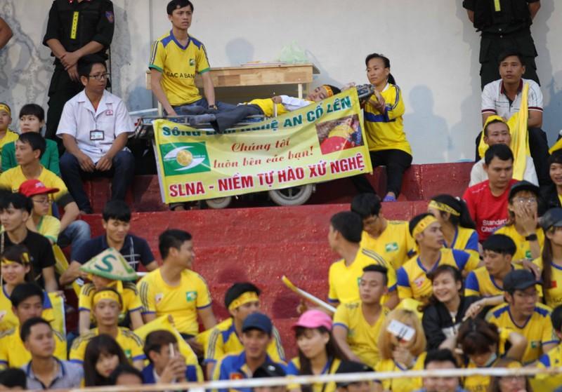 SL Nghệ An vẫn thua dù fan áp đảo sân Thống Nhất - ảnh 3