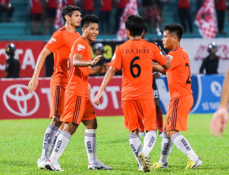 Huỳnh Đức lo Đức Chinh 'lạc' điểm rơi tại World Cup - ảnh 1
