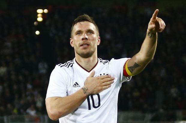 Podolski ghi bàn, tạ ơn và giã từ tuyển Đức - ảnh 2