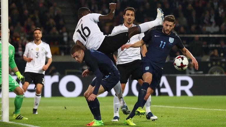 Podolski ghi bàn, tạ ơn và giã từ tuyển Đức - ảnh 1
