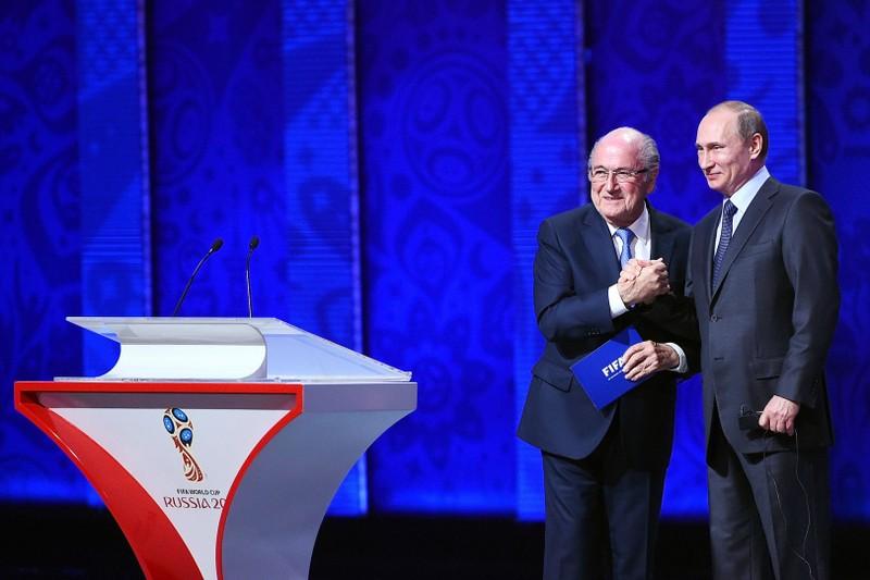 100.000 fan Trung Quốc đổ bộ, Nga 'ẵm' 25 triệu USD - ảnh 2
