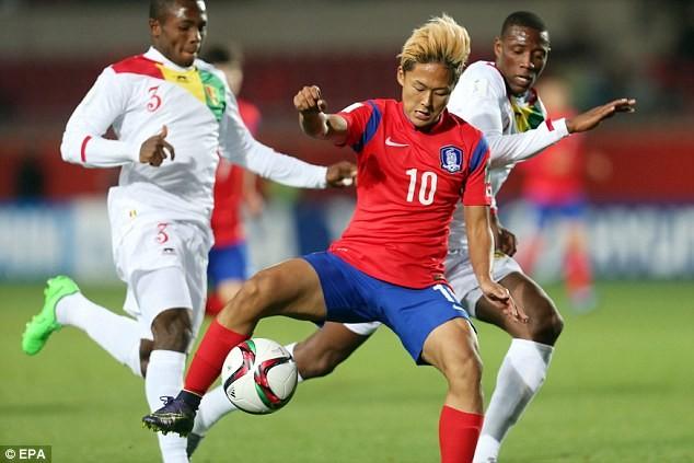 Hàn Quốc thắng Uruguay, Maradona khen Messi Hàn hết lời - ảnh 1