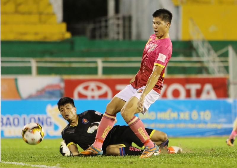 Vòng 18 V - League: Bay lên nào! - ảnh 4