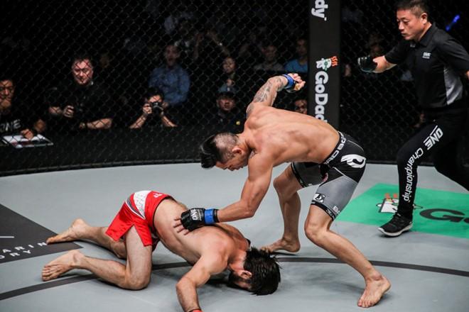 Nhà vô địch MMA Martin Nguyen giao lưu tại TP.HCM - ảnh 2