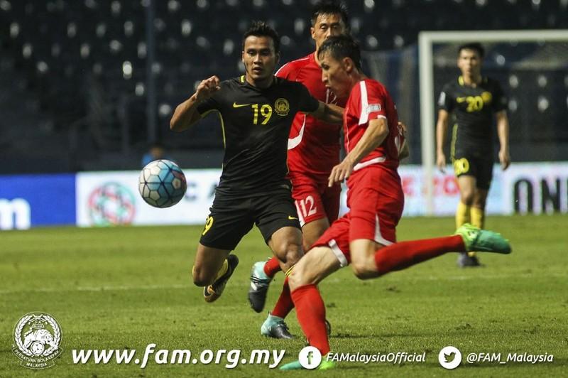 Phải 'trảm' ngay HLV tuyển Malaysia - ảnh 1