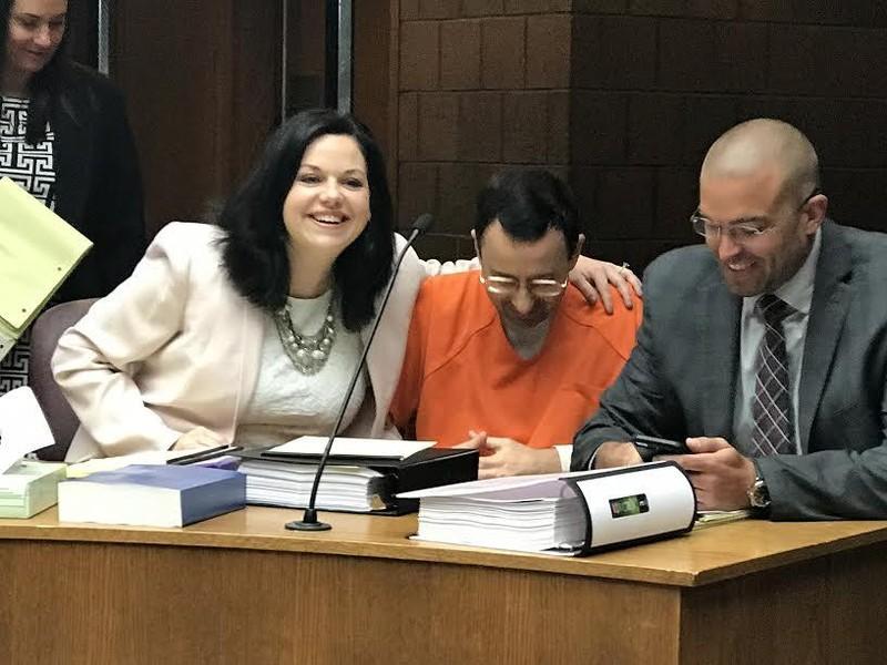 Bác sĩ đối mặt án tù 40 năm vì lạm dụng cả đội TDDC Mỹ - ảnh 4