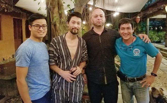 Vì sao sau cuộc gặp với Johny Trí Nguyễn thì Flores về? - ảnh 3