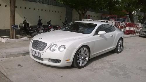 Truy tìm chủ sở hữu siêu xe Bentley xài biển số giả - ảnh 1